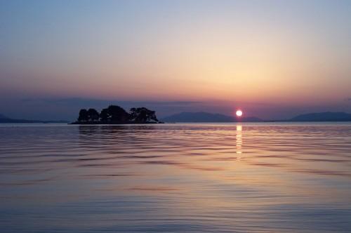 春の宍道湖夕日